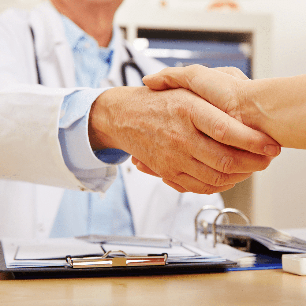 Shaking-Doctor-Hand